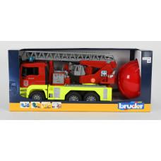 BRUDER Пожарная MAN TGA сo  шлемом 01760