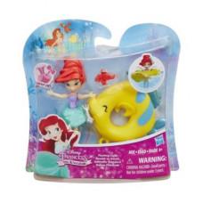 Disney Princess Маленькая кукла принцесса Ариель, плавающая на круге B8939